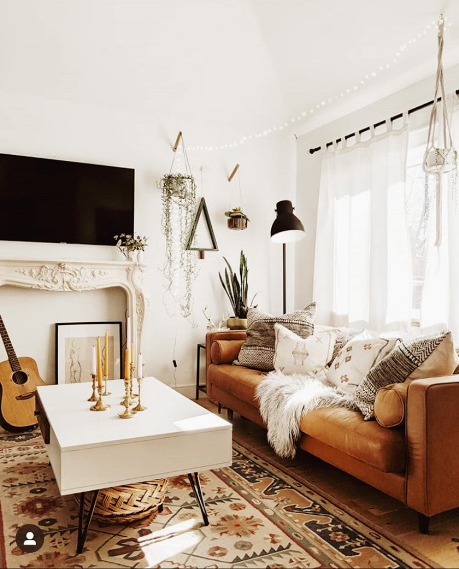 Warm_oasis_pillows_on_couch_in_family_room