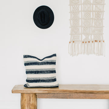Show_Cushions_Navy_Ripple_18_On_Bench