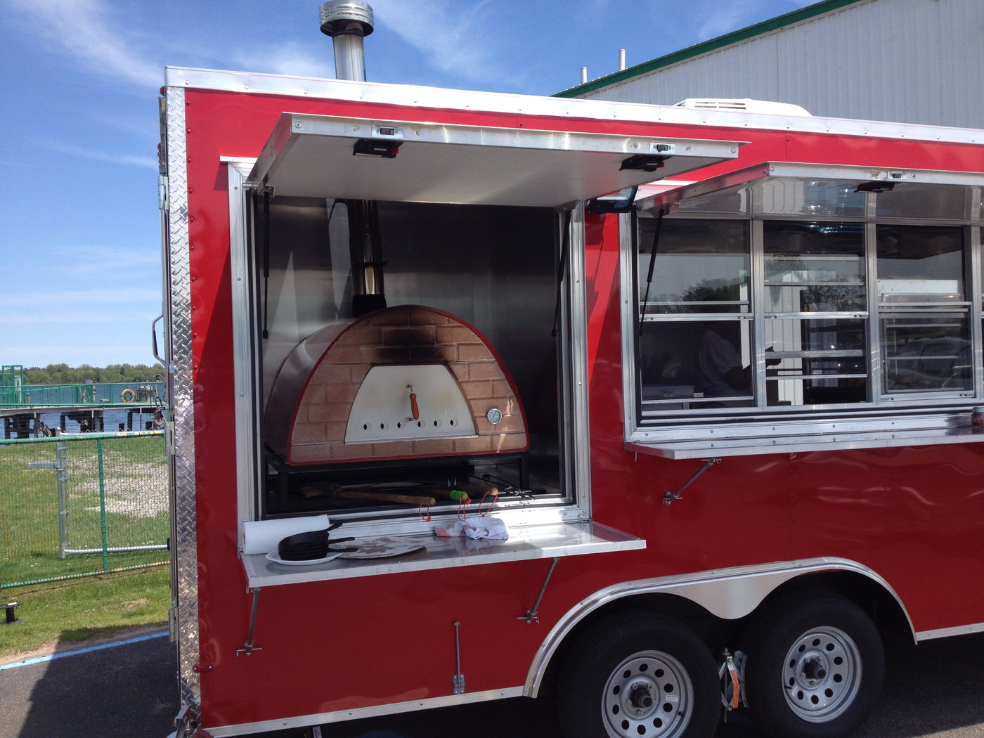 How To Start Your Own Food Truck Business Serving Pizza!