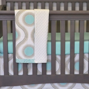 Sweet Kyla 3-piece Crib Bedding collection - Aquila