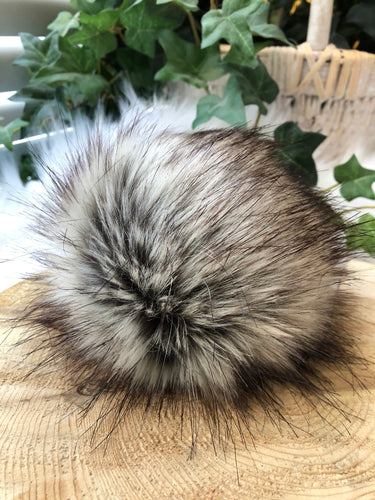 BADGER Faux Fur Pom Pom