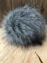 GRANITE Faux Fur Pom Pom