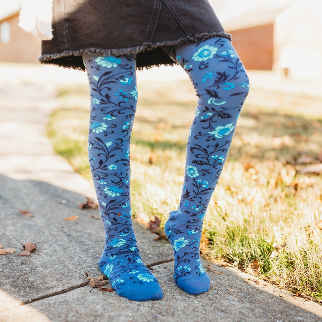 Floral print stockings. Denim.
