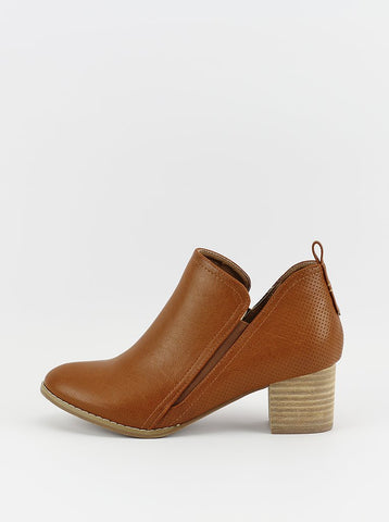 Wyatt Ladies Ankle Boot in Tan by Step On Air