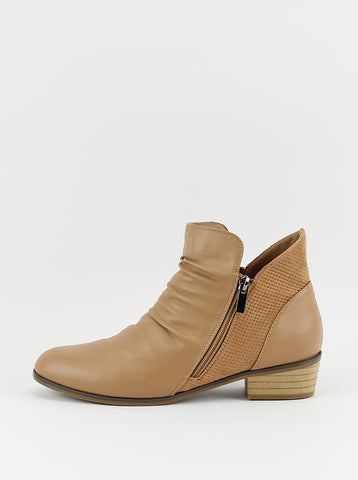 Craven Ladies Ankle Boot in Tan