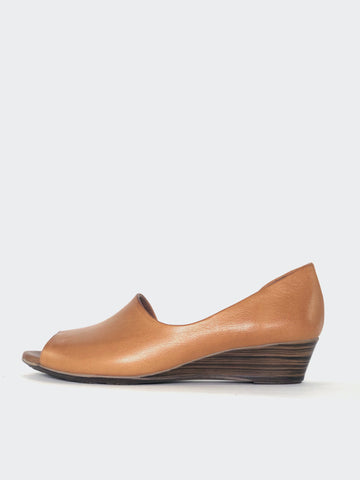 Farrah - Tan Leather Cut-Out Sandal by Mago