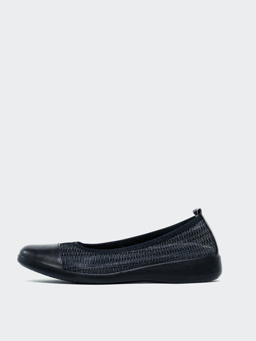 Indeed - Black Ballet Flats by Inea