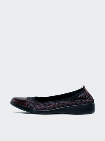 Indeed - Bordeaux Ballet Flats by Inea