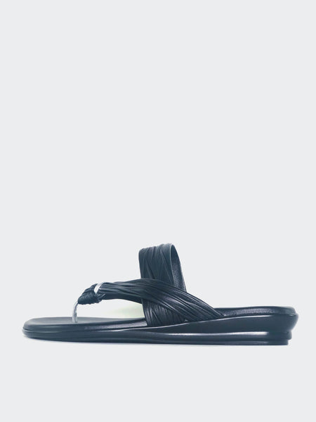 Ripley - Black Resort Sandal by Barletta