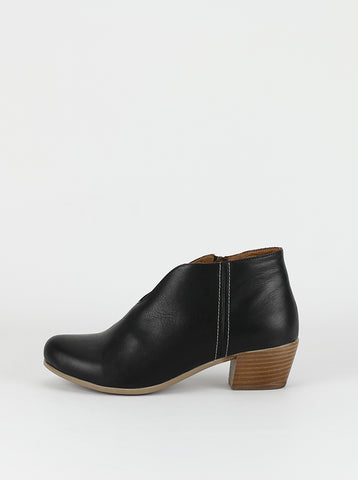 Vast Ladies black heeled ankle boots