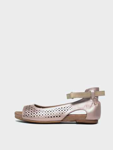 Amigo II Rose Gold Comfort Sandal by Step on Air