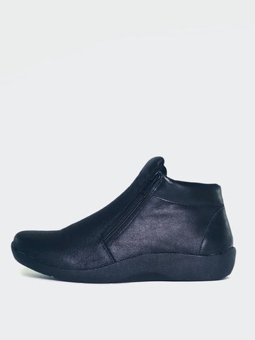 Valore - Black Comfortable Ankle Boots By Step On Air