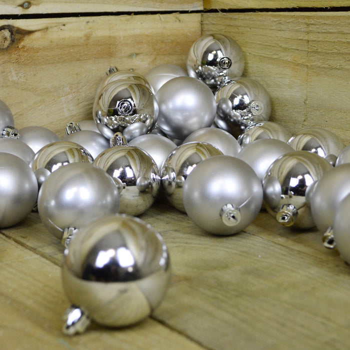 36 6cm Shatterproof Silver Festive Christmas Tree decoration Baubles mix
