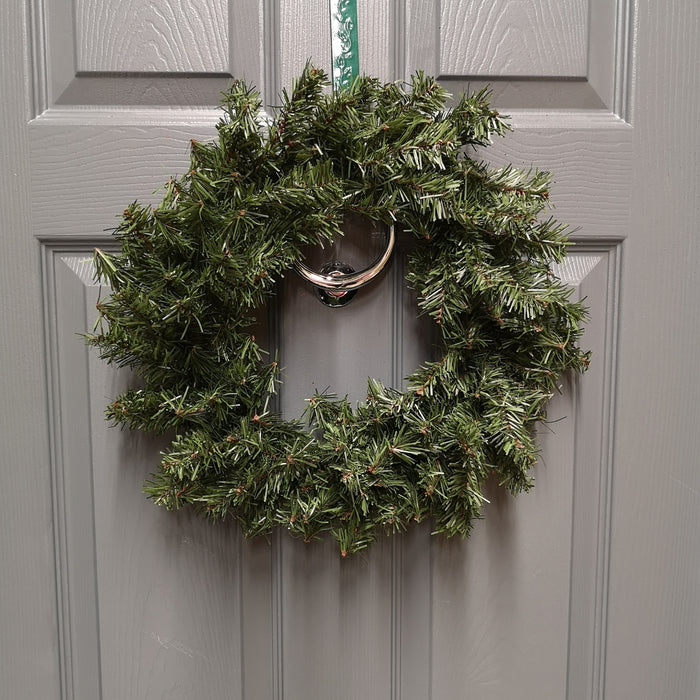 40cm Diameter Canadian Pine Christmas Wreath in Plain Green