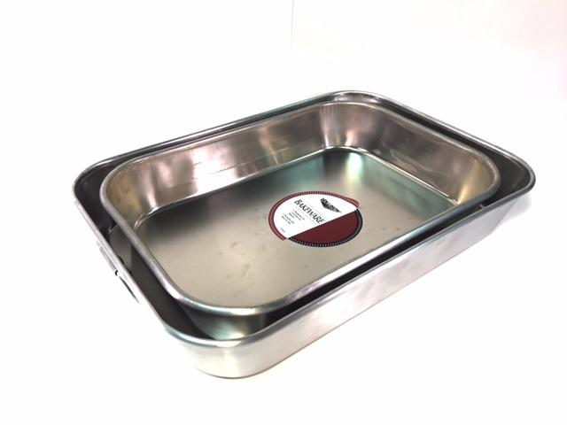 Lightweight Aluminum Pans With Handles, Available in 2 sizes. Please Select Size - Rainhart