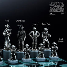 Load image into Gallery viewer, Star Wars Chess Set