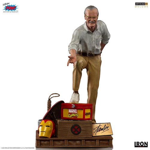 Pre-Order: Stan Lee Deluxe Art Scale