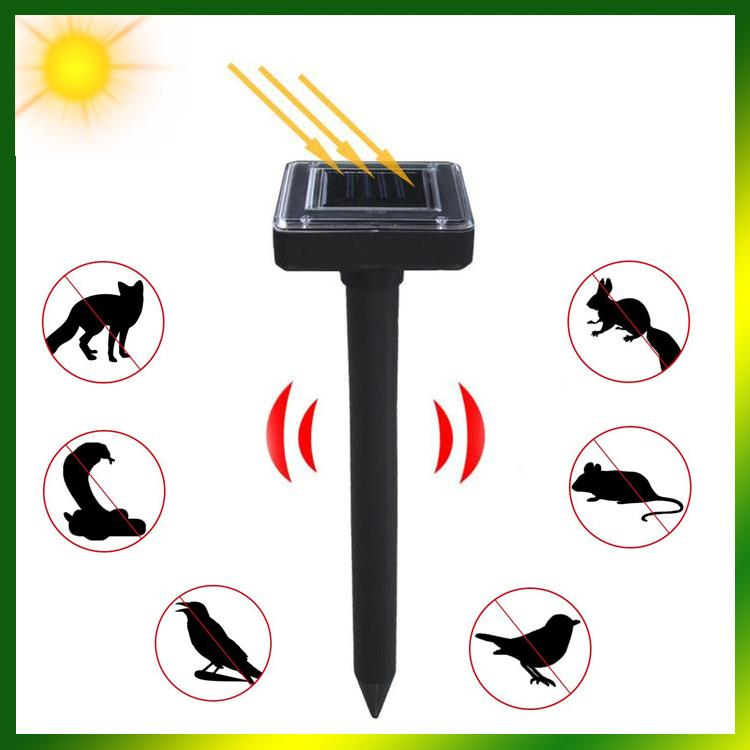 Solar Powered Pest Repeller x 2 Pieces