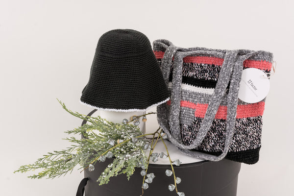 22 Factor | Hello Sunshine! Crochet Hat & Handbag Schausse Pink Gift Set