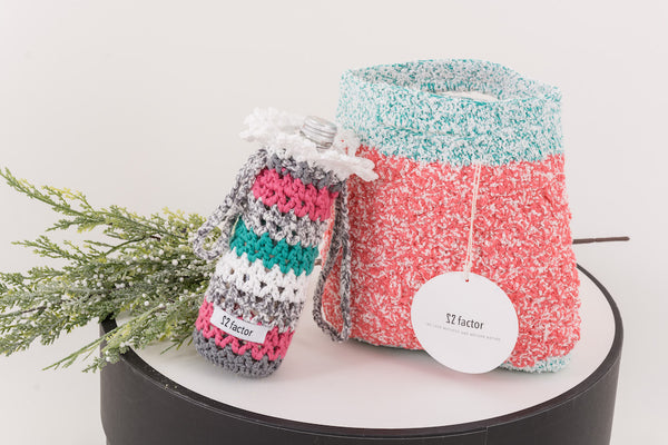 22 Factor | Sm:)e Yarn Crochet Handbag & Waterbottle Case Pink Gift Set
