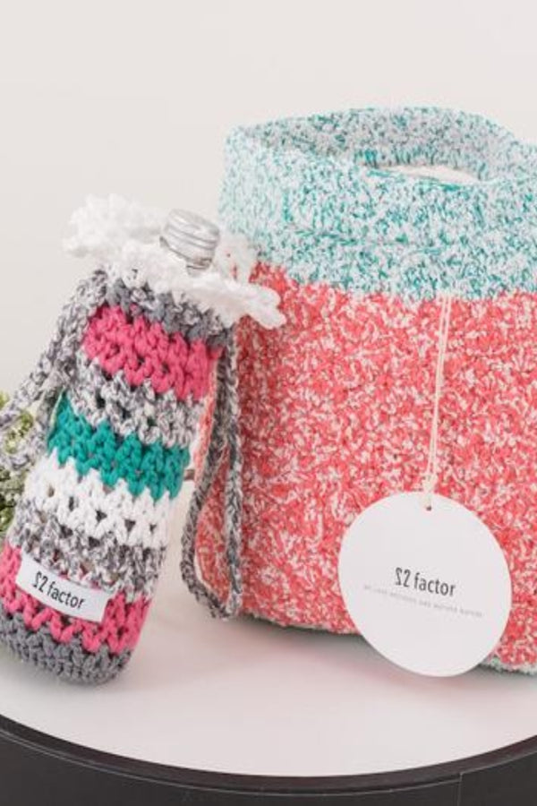 22 Factor | 22 Factor | Sm:)e Yarn Crochet Handbag & Waterbottle Case Pink Gift Set