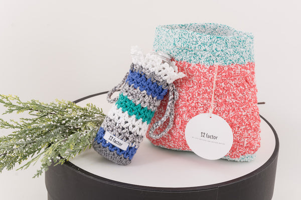Sm:)e Yarn Crochet Handbag & Waterbottle Case Blue Gift Set