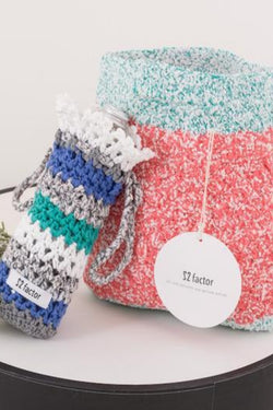 22 Factor | Sm:)e Yarn Crochet Handbag & Waterbottle Case Blue Gift Set