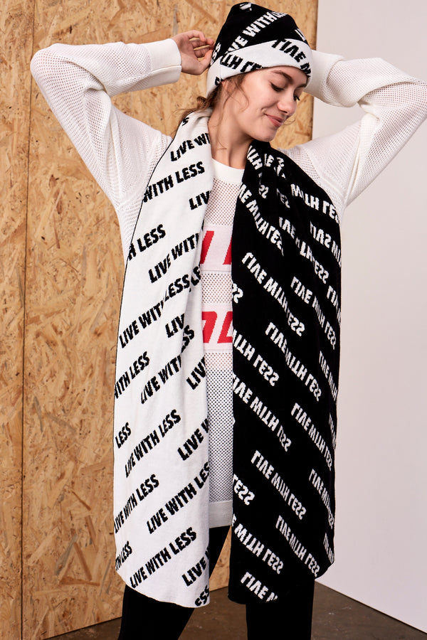 'Live with Less' Scarf Black x Ivory | 22 Factor | ECO-LUXE knitwear