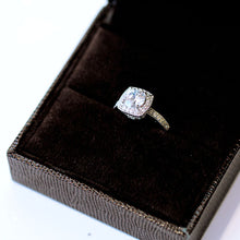 Load image into Gallery viewer, Rhinestone Engagement Ring