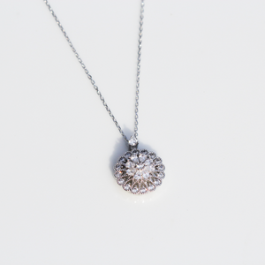 Spin Flower Necklace