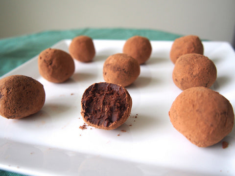 chocolate-avocado-truffles