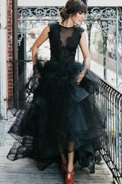 2021-black-wedding-dresses-with-horsehair-skirt