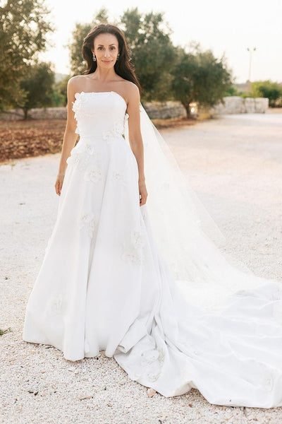 2021-strapless-flowers-wedding-gown-with-chapel-train