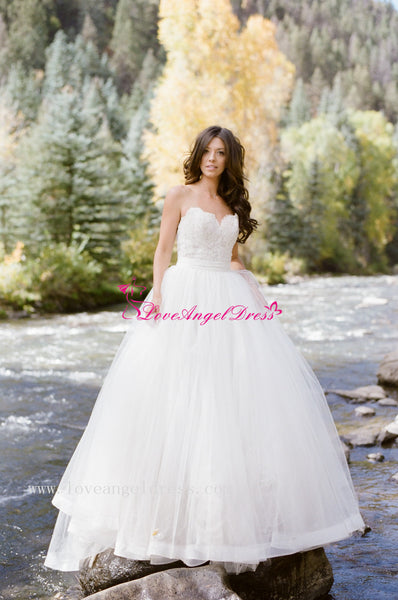 sweetheart-lace-backless-princess-ball-gown