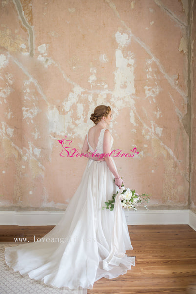 v-neckline-organza-wedding-gown