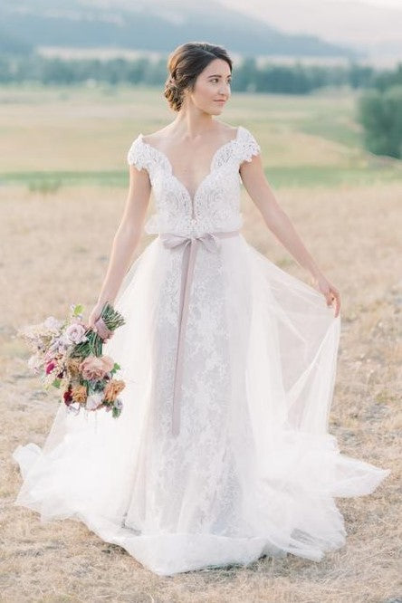 See-through Lace Long Sleeves Wedding Gowns Tulle Skirt