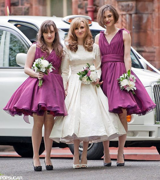 a-line-chiffon-v-neck-burgundy-bridesmaid-dresses-knee-length-2