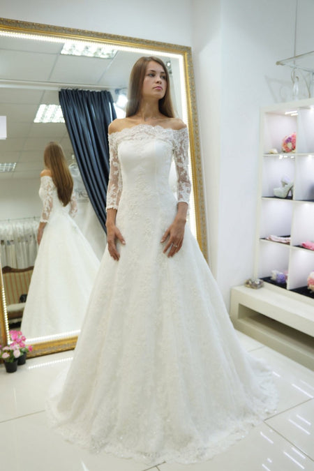 Plunging V-neckline Lace Chiffon Boho Wedding Dresses with Sleeves