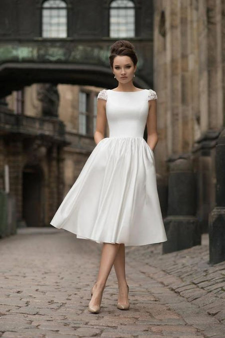 Knee-Length Lace Wedding Gown with Short Sleeves