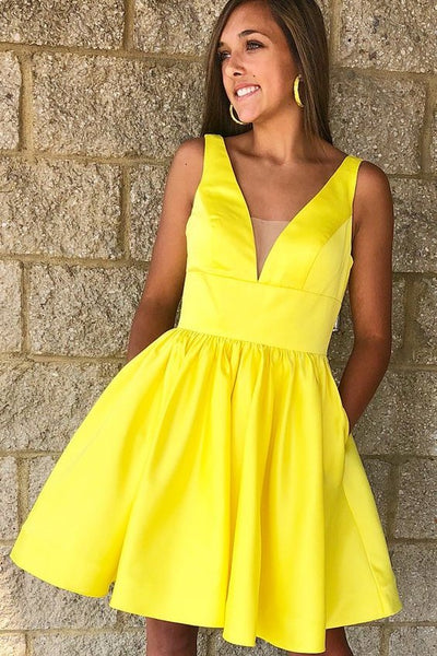 a-line-satin-short-yellow-homecoming-dresses-2018