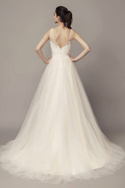 a-line-tulle-beach-wedding-dresses-with-lace-bodice-1