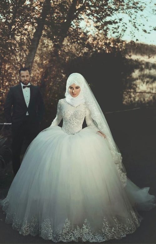 beaded-long-sleeves-muslim-wedding-gown-tulle-skirt