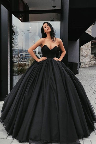 black-tulle-ball-gown-prom-dresses-with-plunging-sweetheart-corset
