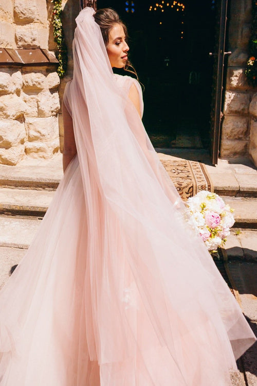 chapel-length-pink-blush-wedding-veil-with-comb