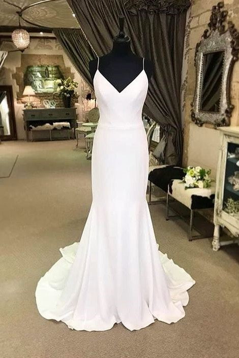 chic-fit&flare-bridal-dress-with-thin-straps-marriage-gown