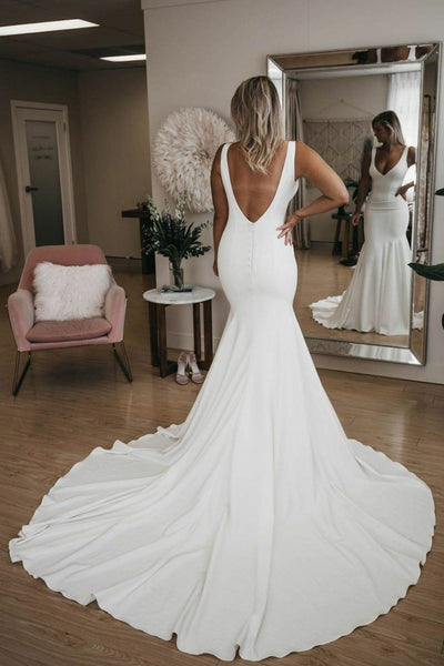 chic-v-neckline-mermaid-wedding-dress-with-long-train-1