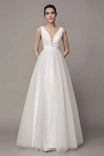 chic-v-neckline-wedding-gown-with-dotted-tulle-skirt-2