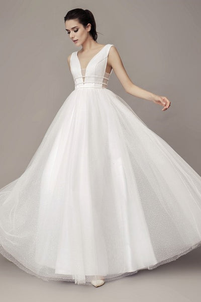 chic-v-neckline-wedding-gown-with-dotted-tulle-skirt