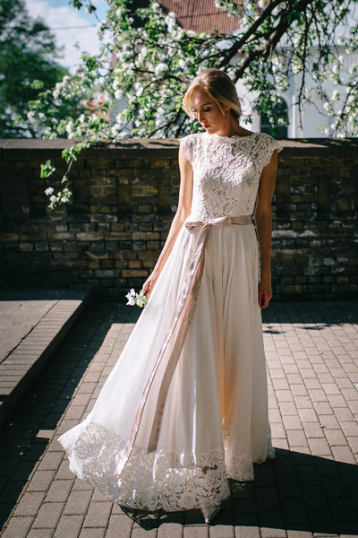 chiffon-boho-wedding-dress-with-lace-top-and-hemline