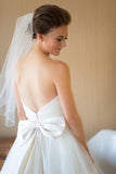 classic-ivory-wedding-dresses-with-big-bow-back-1